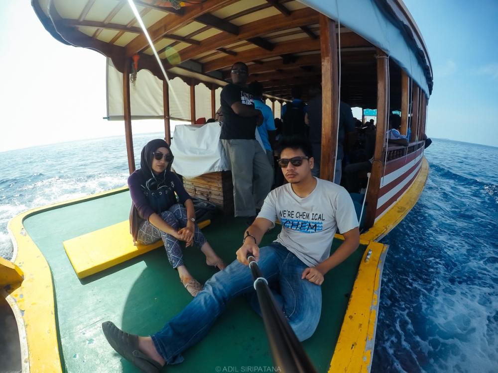 การเดินทางด้วย public ferry จากท่าเรือบนเกาะ Male สู่ Thinadhoo
