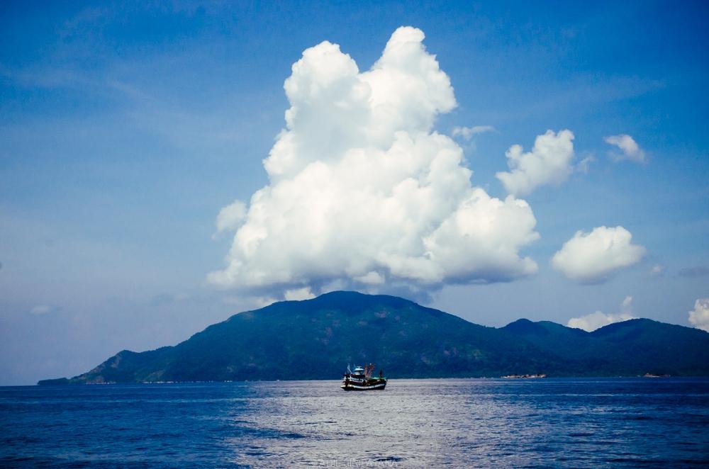 06/04/15 เดินทางมาถึงอาดัง-หลีเป๊ะ เมฆอลังการดี เก็บไว้ซักหน่อย